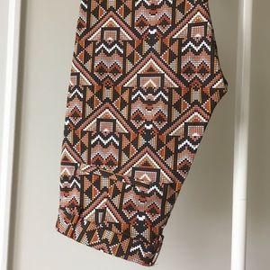 H&M ankle Aztec slacks, pants size 6 women's